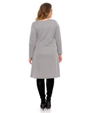 Vestido-preto-e-branco-plus-size-12