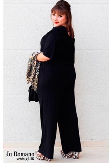 3c53f1cb1d Macacão de malha bolsos manga curta - Chic e Elegante