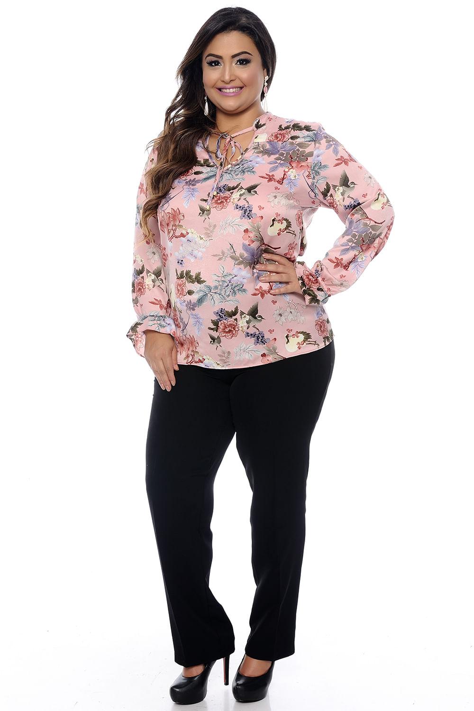 c0517797c8 Blusa Rosa Floral Plus Size - Chic e Elegante