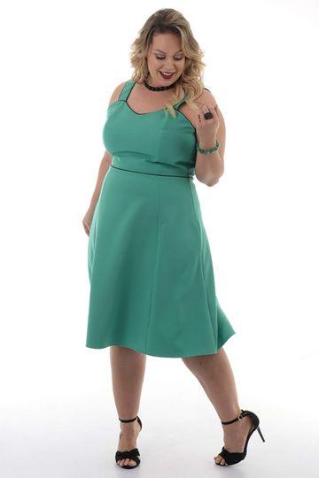 7ad3522a28 Vestido Verde Catarina Plus Size - Chic e Elegante