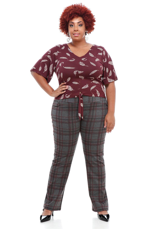 9d03b3a52 Blusa Cropped Folhas Plus Size - Chic e Elegante